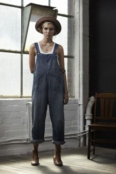 Reminds me of Bananarama, Dexy's Midnight Runners, and everything else great about the 80s bringing back overalls