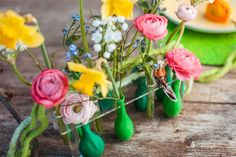 Tischdeko im Frühling #tischdeko #blumenvase #luftballons