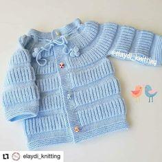 Saco de bebé colo azul tejido a dos agujas Boho Chic, Knitting, Sweaters, Instagram, Fashion, Knitting Designs, Sacks, Headscarves, Moda