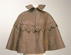 Cape 1900, Made of silk and wool