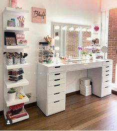 Are those who love the vanity table decor here? Grey Bedroom Decor, Bedroom Decor For Teen Girls, Room Design Bedroom, Teen Room Decor, Girl Bedroom Designs, Stylish Bedroom, Room Ideas Bedroom, Home Room Design, Beauty Room Decor