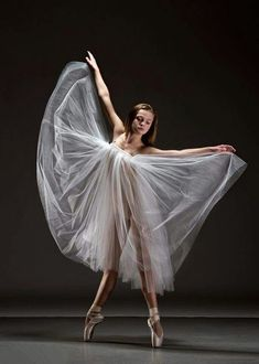 Efficiency put on and dancing halloween costumes capabilities on-trend styles for all genres of dance. Ballet Poses, Dance Poses, Ballet Dancers, Modern Dance, Contemporary Dance, Ballet Painting, Ballet Art, Baile Jazz, Pretty Ballerinas