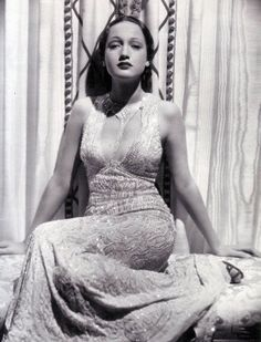 Dorothy Lamour in 'Jungle Princess' (1936, Paramount) Designer: Edith Head