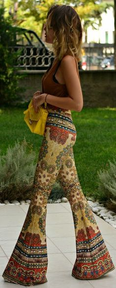 Boho look | Burned orange top with patterned oversize flared pants http://www.buzzblend.com
