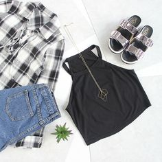 Keep it casual and edgy. #tanktop #plaid #fallfashion #autumn #romwe