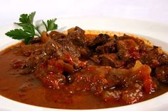 Marokkaanse rundvlees schotel (Ads Be Qar Wa Khli) Paleo Recipes, Crockpot Recipes, Cooking Recipes, Fast Dinners, Goulash, Freezer Meals, Soups And Stews, Slow Cooker, Rice Cooker
