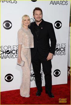 Anna Faris & Allison Janney - People's Choice Awards 2014  | anna faris allison janney peoples choice awards 2014 01 - Photo