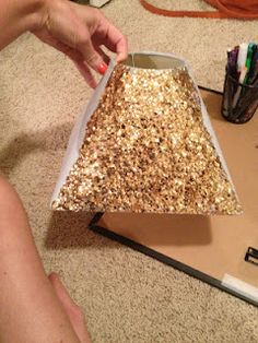 oh, goodness: Gold Sequin Lamp Shade. I will be doing this