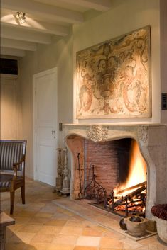 Beautiful reclaimed fireplace by Van Apers Classic Fireplace, Fireplace Mantle, Fireplace Design, Fireplace Ideas, Foyers, Best Electric Fireplace, Rock Fireplaces, Great Rooms, Living Spaces