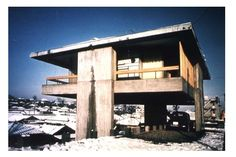 """Kiyonori Kikutake /// Sky House /// Tokyo, Japan /// 1958 OfHouses guest curated by Weltgebraus: """"The Sky House became gradually a """"normal house"""". Study Architecture, Japanese Architecture, Interior Architecture, House Tokyo, Normal House, Systems Art, Building Art, Le Corbusier, Brutalist"""