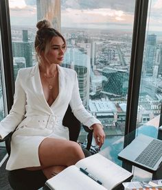 Boss Lady, Girl Boss, Mode Outfits, Fashion Outfits, Woman Outfits, Bar Outfits, Vegas Outfits, Dinner Outfits, Club Outfits