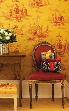 amarillo fuerte y rojo,los colores favoritos de Marie Jo... toile wallpaper