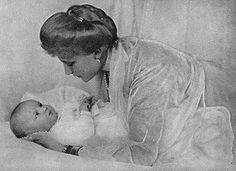 Archiduchesse Elisabeth-Marie de Habsbourg (1883-1963) princesse de Windisch-Graetz et sa fille Stéphanie (1909-2005)