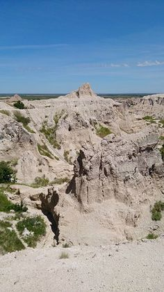 Dramatic viewpoint if one is not afraid of heights - Picture of Big Badlands Overlook, Badlands National Park - Tripadvisor Badlands National Park, National Parks, Park Pictures, South Dakota, Acre, Trip Advisor, Grand Canyon, United States, Photo And Video