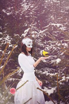 #winterwonderland #winter #ice #girl #icequeen #photography #petfruska #winterbird