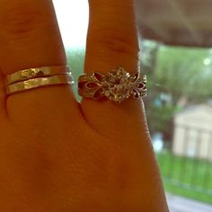 Fashion 2 ctw cz ring Never worn, size 5 I believe. Jewelry Rings