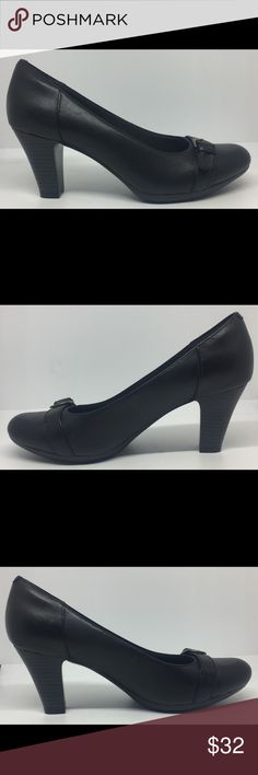 Clarks Bendables Black Leather Classic Pumps Sz 9M Worn a few times. Excellent Condition. See Pictures. Bin 3 B29 Clarks Shoes Heels