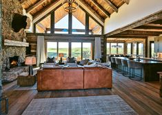 A ranch-style home brings a touch of authentic charm to central Montana. A ranch-style home brings a Montana Ranch, Montana Homes, Timber Frame Homes, Timber House, Ranch Decor, Ranch Style Decor, Mountain House Plans, Mountain Dream Homes, Mountain Houses