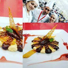 Show cooking... Dueto de creme de citrinos e Mosse de chocolate com morangos macerados #feiradechocolate #chocolate #obidos #público #bembom #querofazermaisshow