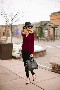 My outfit details: Rag and Bone Sweater, Frame Jeans, Rag and Bone Hat (similar style), Givenchy Bag, Gianvito Rossi Shoes, Karen Walker Sunglasses Can you believe Christmas is only TWO days away…