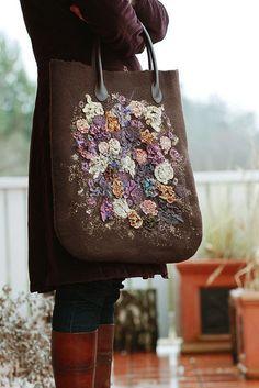 http://www.no6store.com/blog/2010/12/02/no-6-gift-idea4-maiami-triangle-scarf/
