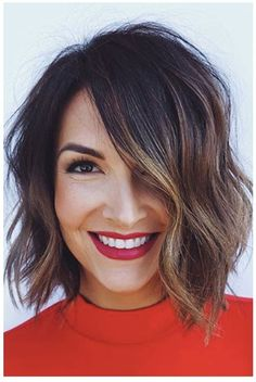 See here more amazing and beautiful trends of blunt chin length bob hairstyles to wear nowadays. Here you may find various kinds of bob cuts to wear nowadays. Bob Hairstyles brunette 50 Stunning Blunt Chin-Length Bob Haircuts for 2019 Cute Bob Hairstyles, Layered Hairstyles, Bob Hairstyles Brunette, Hairstyle Ideas, Balayage Bob Brunette, Brunette Bob Haircut, Wedding Hairstyles, Braided Hairstyles, Chin Length Hairstyles