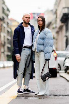 The Best Street Style From Milan Fashion Week Fall 2018 - Mode für Frauen Korean Street Fashion, Cool Street Fashion, Milan Fashion, Casual Street Style, Street Style Looks, Best Street Outfits, Stylish Couple, Fashion Couple, Couple Outfits