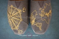 Absolutely beautiful and what an awesome idea. For someone who loves to travel-I cant wait to get these.