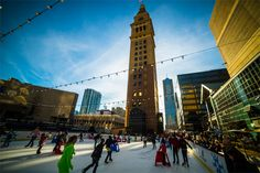 Skyline Park is the place to be this holiday season! Southwest Airlines and the Downtown Denver Partnership invite you to grab your family and friends and head to and Arapahoe in Downtown Denver to the Southwest Rink at Skyline Park! Denver Activities, Free Activities, Moving To Denver, Visit Denver, Denver City, Southwest Airlines, Free Museums, Free Things To Do, 5 Things