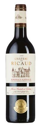 Château de Ricaud 2009: diskrete Fruchtfülle und Nuancen von Paprika und Kräuterwürze. Eleganter Geschmack mit zugänglichen Gerbstoffen und frischer Länge.