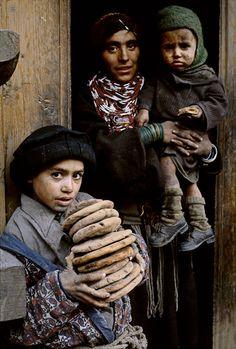 Family. Pakistan ( Steve McCurry).                                                                                                                                                                                 More