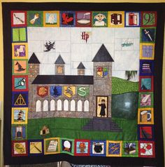 Harry Potter Quilt - I like the layout! Please do it for Christmas, k? Colchas Harry Potter, Harry Potter Quilt, Paper Piecing Patterns, Quilt Patterns, Pikachu, Foundation Paper Piecing, Quilting Projects, Sewing Projects, Crafty