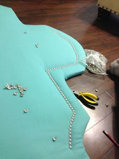 DIY headboard. on the blog.