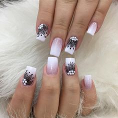 Gentle Mandala With French Fade Ombre Nails ❤️Mandala nail art is intricate popular and Bohemian that is why we invite you to have a closer look at our mandala nails designs collection! Classy Nails, Trendy Nails, Cute Nails, Classy Nail Designs, Nail Art Designs, Hair And Nails, My Nails, French Fade Nails, Feather Nails