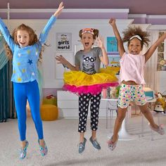 Looking for some last-minute ideas for a slumber party? All you need for these activities is a soft floor and a few household materials.