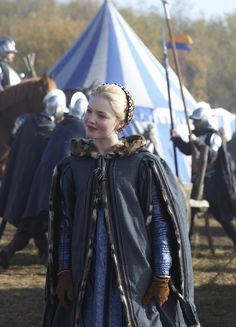 Lucrezia Borgia - Holliday Grainger in The Borgias, set between 1492 and 1500 (TV series Renaissance Mode, Costume Renaissance, Renaissance Clothing, Renaissance Fashion, Italian Renaissance, Los Borgia, Lucrezia Borgia, The Borgias, Period Costumes