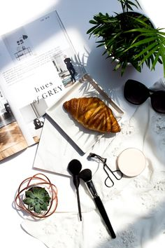 Flatlay Inspiration · via Custom Scene Window shadows over desk scene with breakfast, magazine and makeup Flat Lay Photography, School Photography, Photography Props, Lifestyle Photography, Product Photography, Glamour Photography, Editorial Photography, Fotografie Blogs, Lifestyle Fotografie