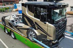 Scania V8 Chimera Renn-Truck von Svempa Bergendahl - Bilder - autobild.de