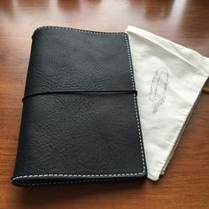 leather Chic Sparrow travelers notebook