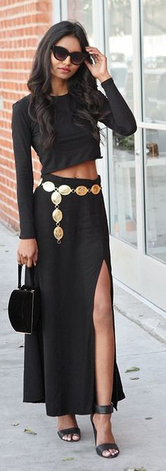 Tuolomee | Golden Belt Street style and chic fashion | sexy brunette in black dress walking down street side walk | dress to impress | #thejewelryhut