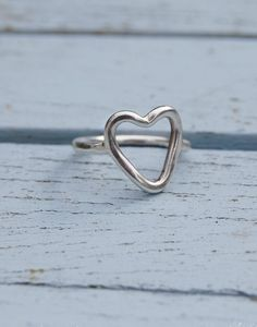 This sterling silver heart ring will set your own heart a flutter. Our modern and minimal sterling silver heart ring is a stylish and contemporary statement. Ring Crafts, Solitaire Engagement, Contemporary, Modern, Sterling Silver Jewelry, Heart Ring, Minimal, Jewelry Design, Diamond