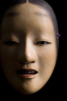 "artemisdreaming: "" 能面 Noh Mask (via: mitsue-yuya.com) """