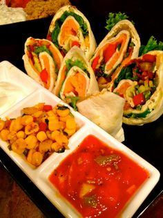 Smoked Salmon Tortilla Wrap Tortilla Wraps, Wrap Sandwiches, Smoked Salmon, Pinwheels, Fresh Rolls, Food Porn, Ethnic Recipes, Weather Vanes, Treats