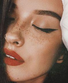 French girl make-up