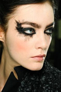 Runway Beauty: Gothic Smudgy Eye at Chanel Spring 2013 Couture – Makeup For Life The Beauty Department, Bat Makeup, Makeup Art, Makeup Ideas, Fairy Makeup, Crazy Makeup, Mermaid Makeup, Animal Makeup, Night Makeup
