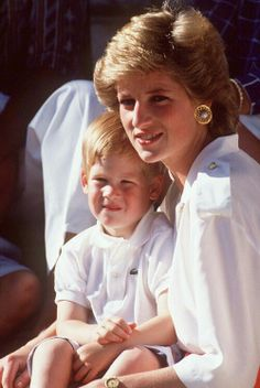 DIANA AND HARRY. HOLIDAYS IN MALLORCA, SPAIN WITH THE SPANISH ROYAL FAMILY.