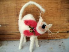 Scaredy Cat Wool Wrapped/Needle Felted by WhimsicalWoolies on Etsy, $23.00