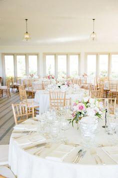 Open and spacious wedding reception design