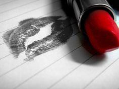 """""""...Iba a escribir un texto apasionado, con letras llenas de erotismo y signos de puntuación resaltando el amor. Tenía planeado escribir miles de palabras y mi corazón sólo me dejo escribir 4, ni una más, ni una menos. Fueron 4 palabras escritas suavemente, de trazos largos y bien definidos…  Iba a escribir un texto largo, apasionado, cursi… Y lo único que pude escribir, fueron esas 4 hermosas palabras que forman tu nombre, que encienden mi cuerpo y alimentan mi alma..."""""""