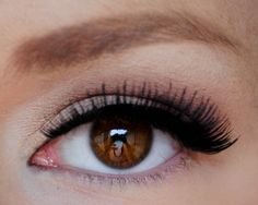 create the perfect 'eye wing'